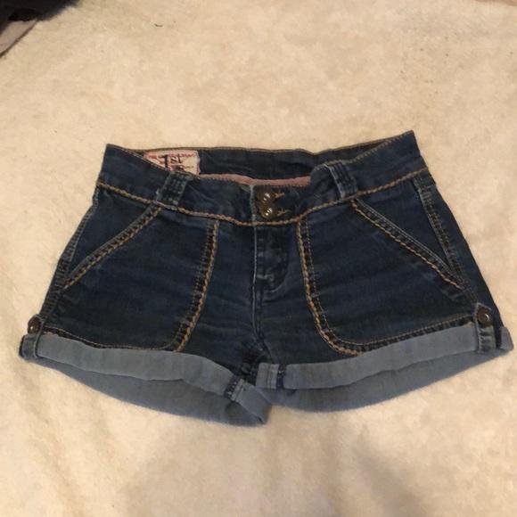 1st Kiss Pants - Jean shorts